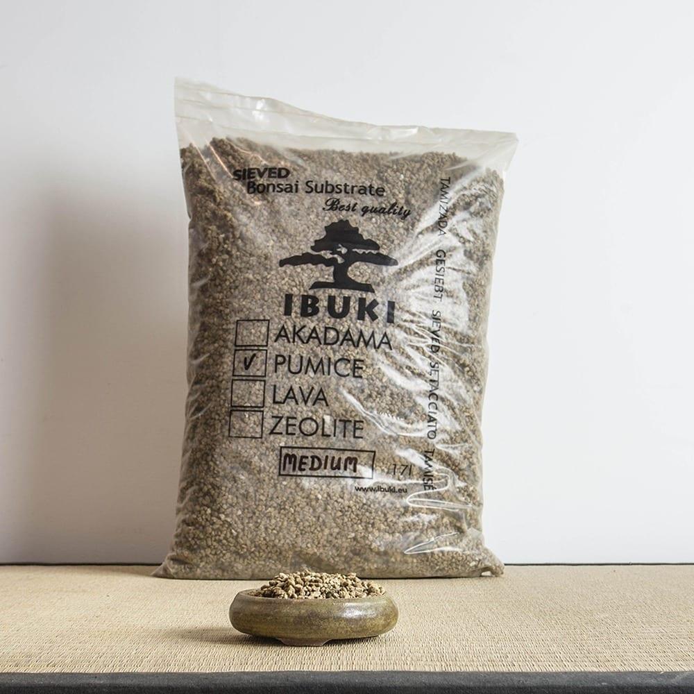 pumice medium1  IBUKI Bonsai Substrate   Zeolite 2,5 3mm (17 litres)   Image of pumice medium1
