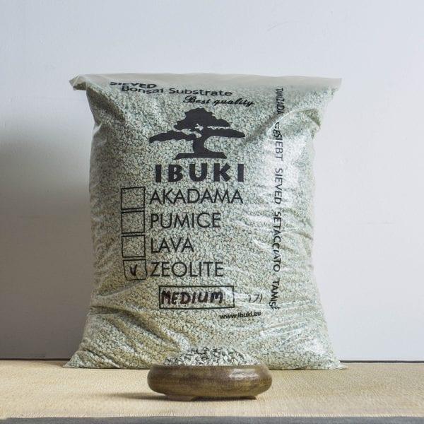zeolite medium1 IBUKI BONSAI SUBSTRATE – ZEOLITE 6,5 7 mm   Image of zeolite medium1